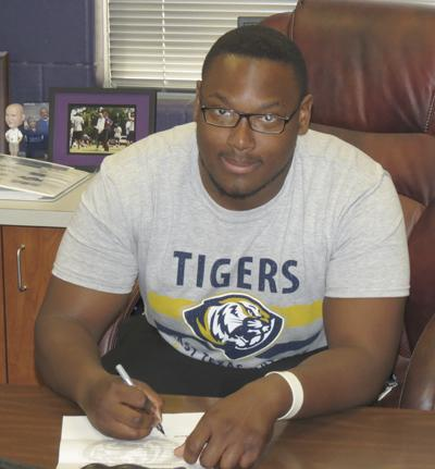 Hall signs with East Texas Baptist University