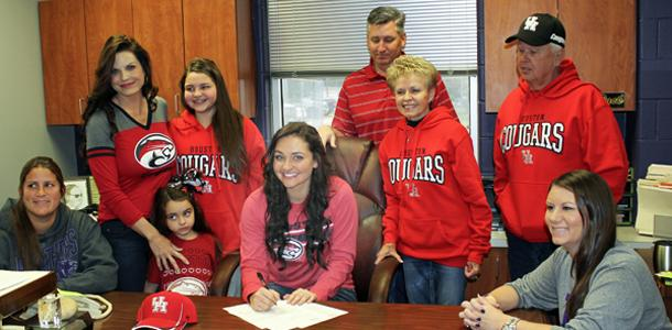 Rachel Hill signs to play softball with the University of Houston.