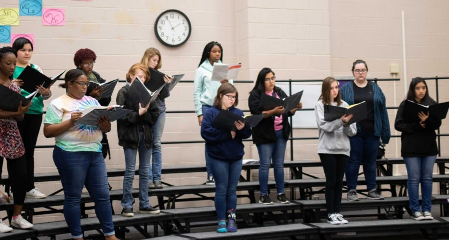 Lufkin High School choir students in Nicole Stewart's fourth-period class rehearse for their Christmas concert, which is scheduled for 7 p.m. Tuesday in the Tom Jack Lucas Auditorium. Admission to the concert is free. (Photo by ANA RODRIGUEZ/Lufkin High School Panther Growls)