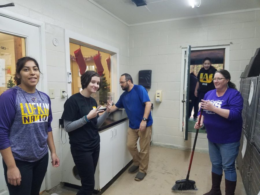 Animal Rights Club members volunteered at the Winnie Berry Humane Society over the Christmas break. (Photo courtesy of Erin Gentry)